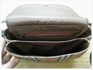 バーバリーのハンドバッグ